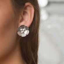 Load image into Gallery viewer, Blossom Silver Earring