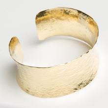 Load image into Gallery viewer, 18kt Gold Ocean Wave Cuff