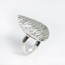 Load image into Gallery viewer, Sterling Silver Leaf Ring