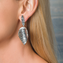 Load image into Gallery viewer, Large Sterling Silver Leaf Earring