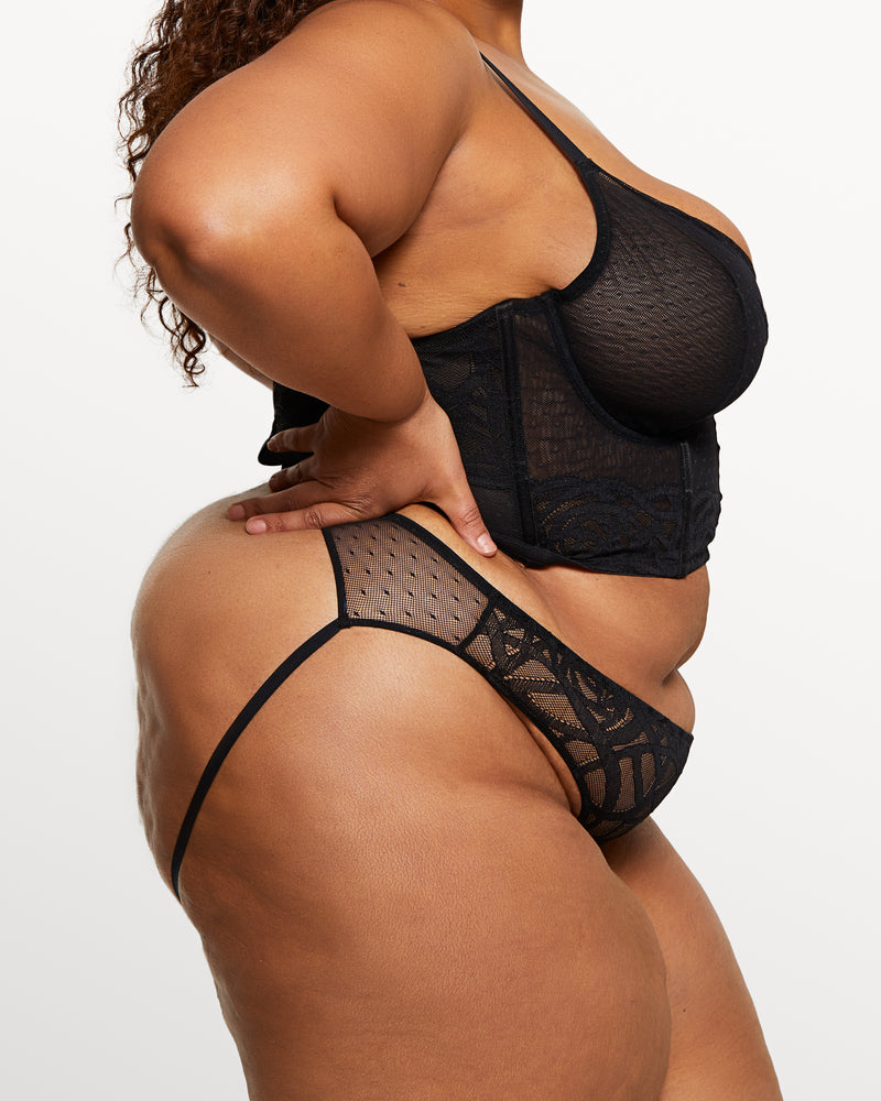 Love, Vera Rose Lace Open Back Cheeky Black Curvy