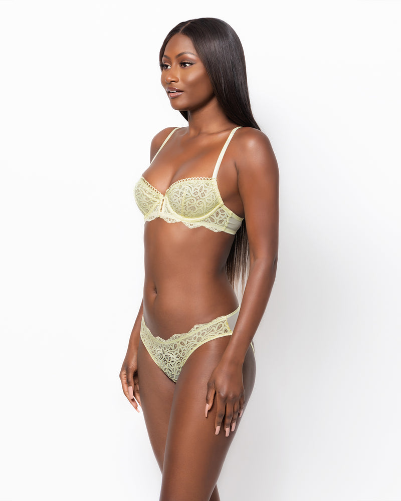 Love, Vera Floral Lace Bra Set w/Guipure Trim Lemonade