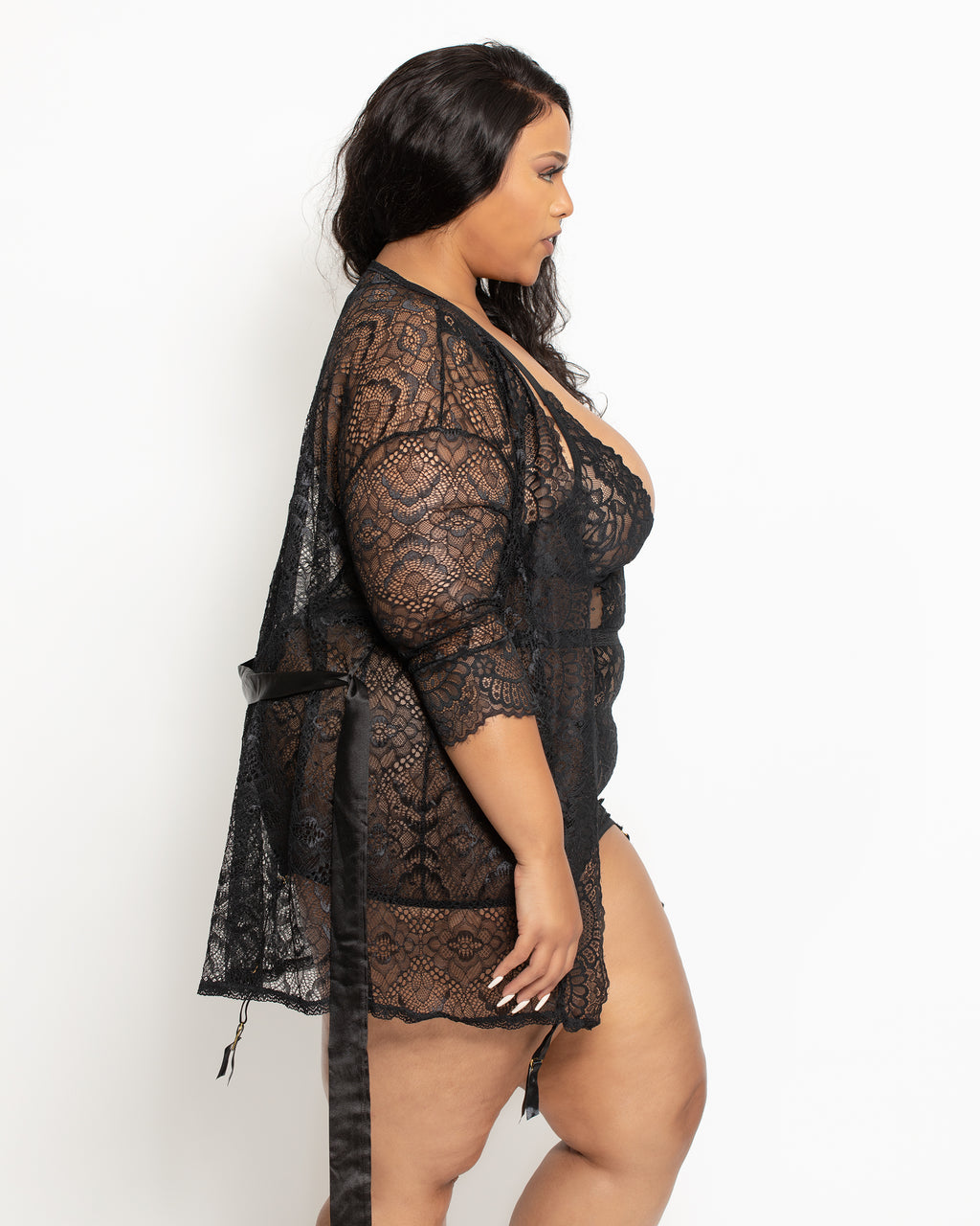 April Lace Robe Black Curvy