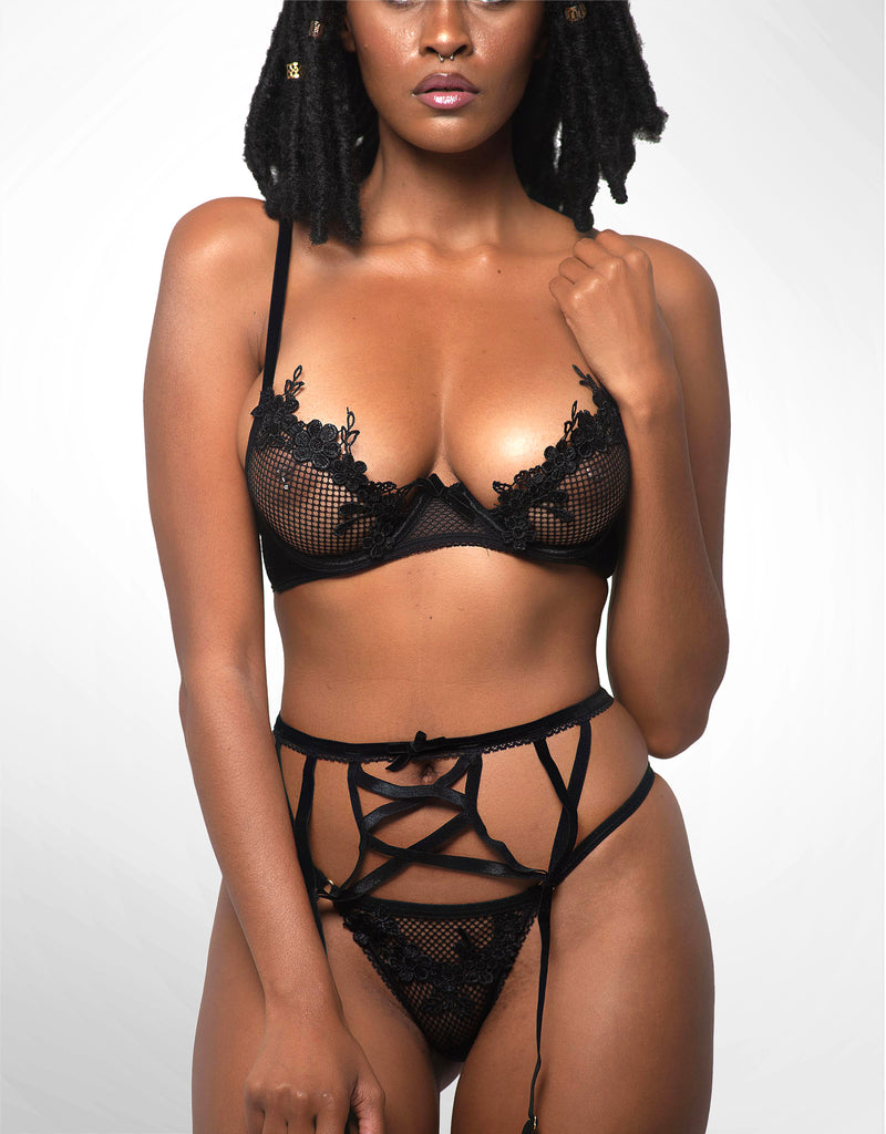 Tyra Three-Piece Garter Set Black
