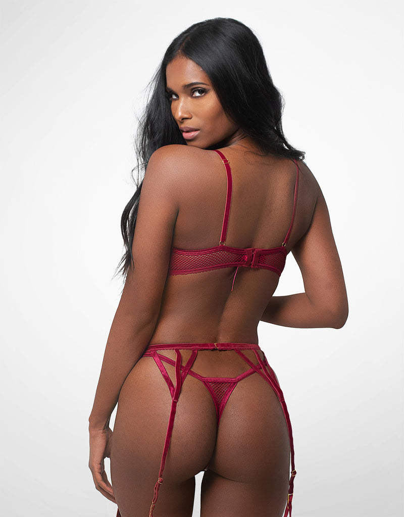 Tyra Three-Piece Garter Set Wine