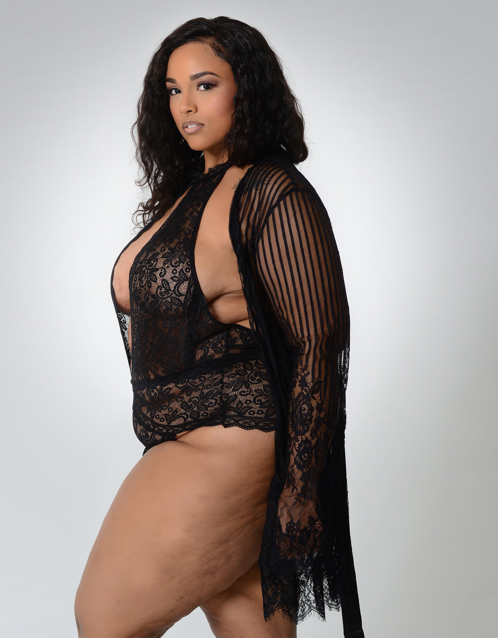 Iris Robe Black Curvy