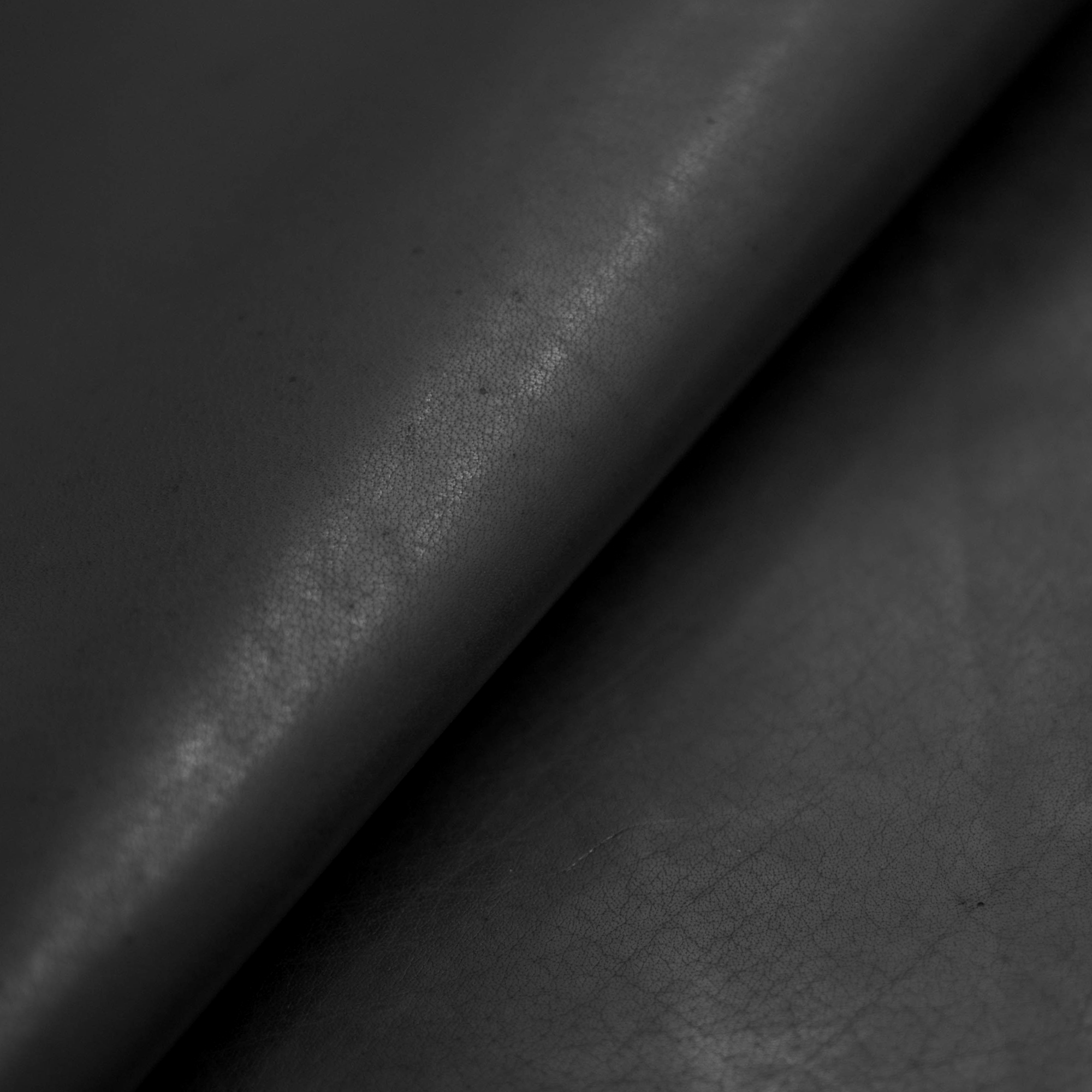 Full-grain Vegetable-tanned Buffalo Leather - Black