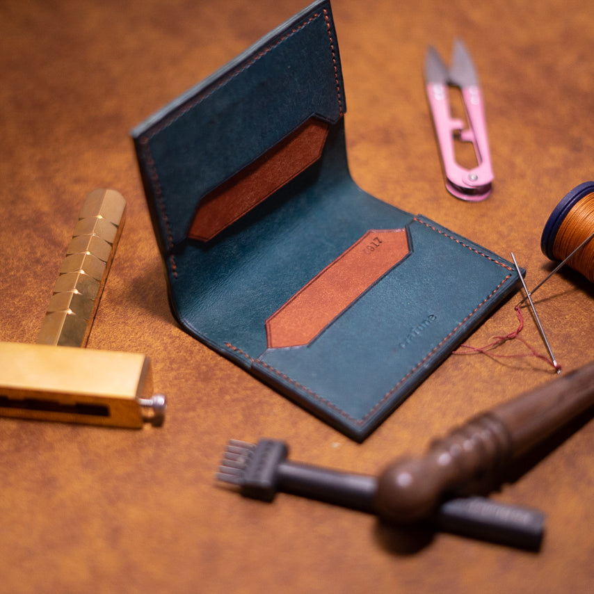 Minimalist Bi-fold Wallet - Crafune Leather Craft Workshop and Starter Kits