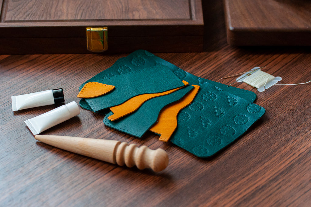 Bifold Wallet DIY Kit (Character Debossing) - Crafune