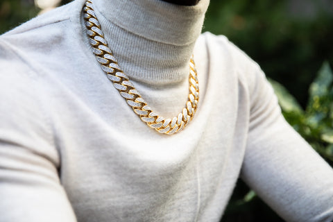 Man wearing Cuban Chain