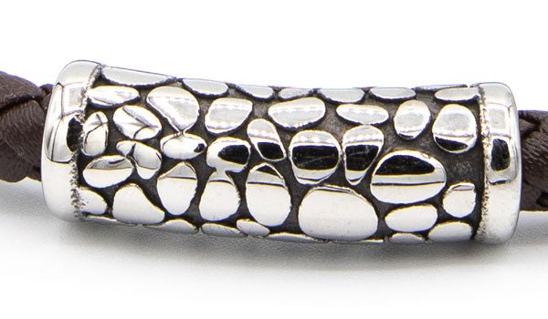 Alt= Silver Stainless Steel Magnetic Clasp Close up.
