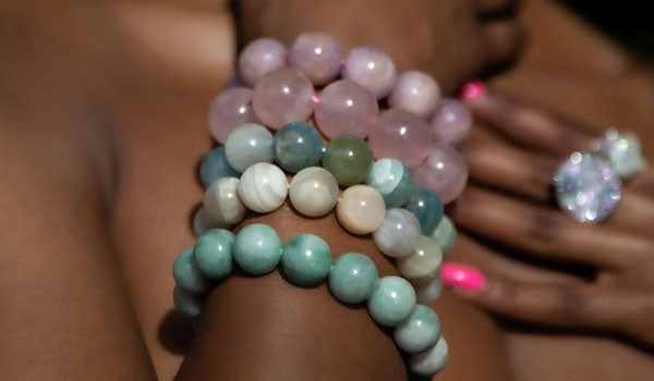 Luxury Rose Quartz Natural Stone Bracelet lifestyle img