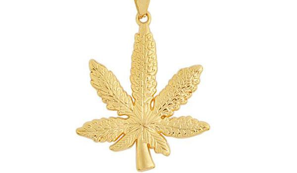 gold Weed Plant Pendant Necklace feature img