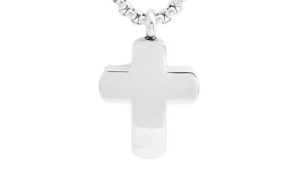 silver cross necklace close up img