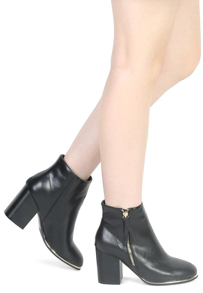 BROOK MID HEEL ANKLE BOOTS WITH ZIP CLOSURE