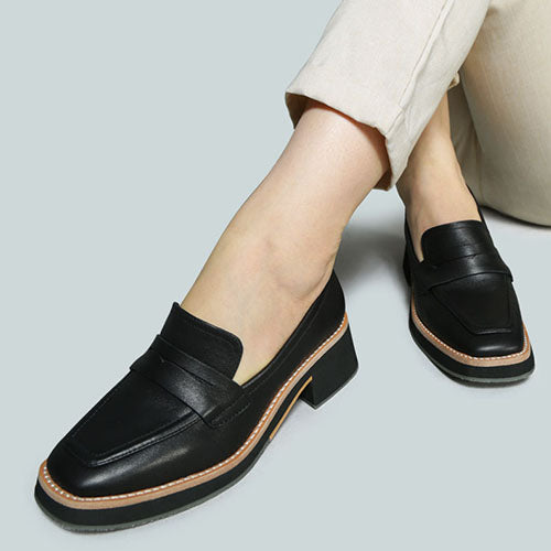 MOORE LEAD LADY LOAFERS IN BLACK