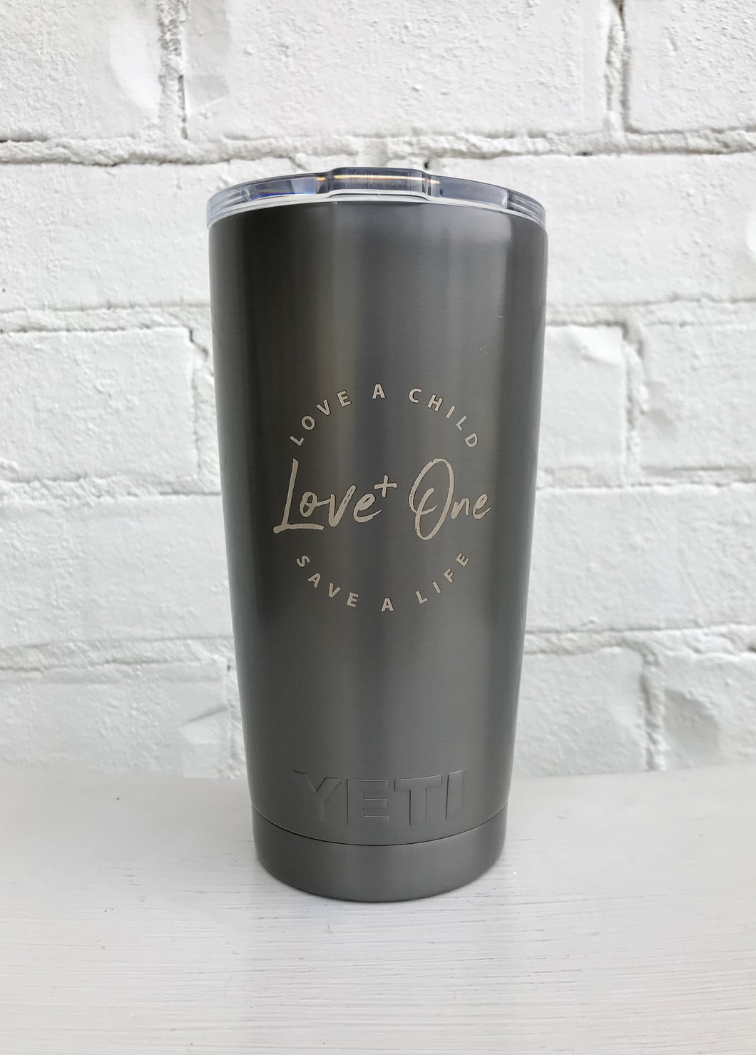 Yeti Limited Edition Rambler 20 oz Tumbler  Graphite