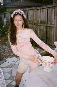 YULIA TOP IN FLOWER DYE