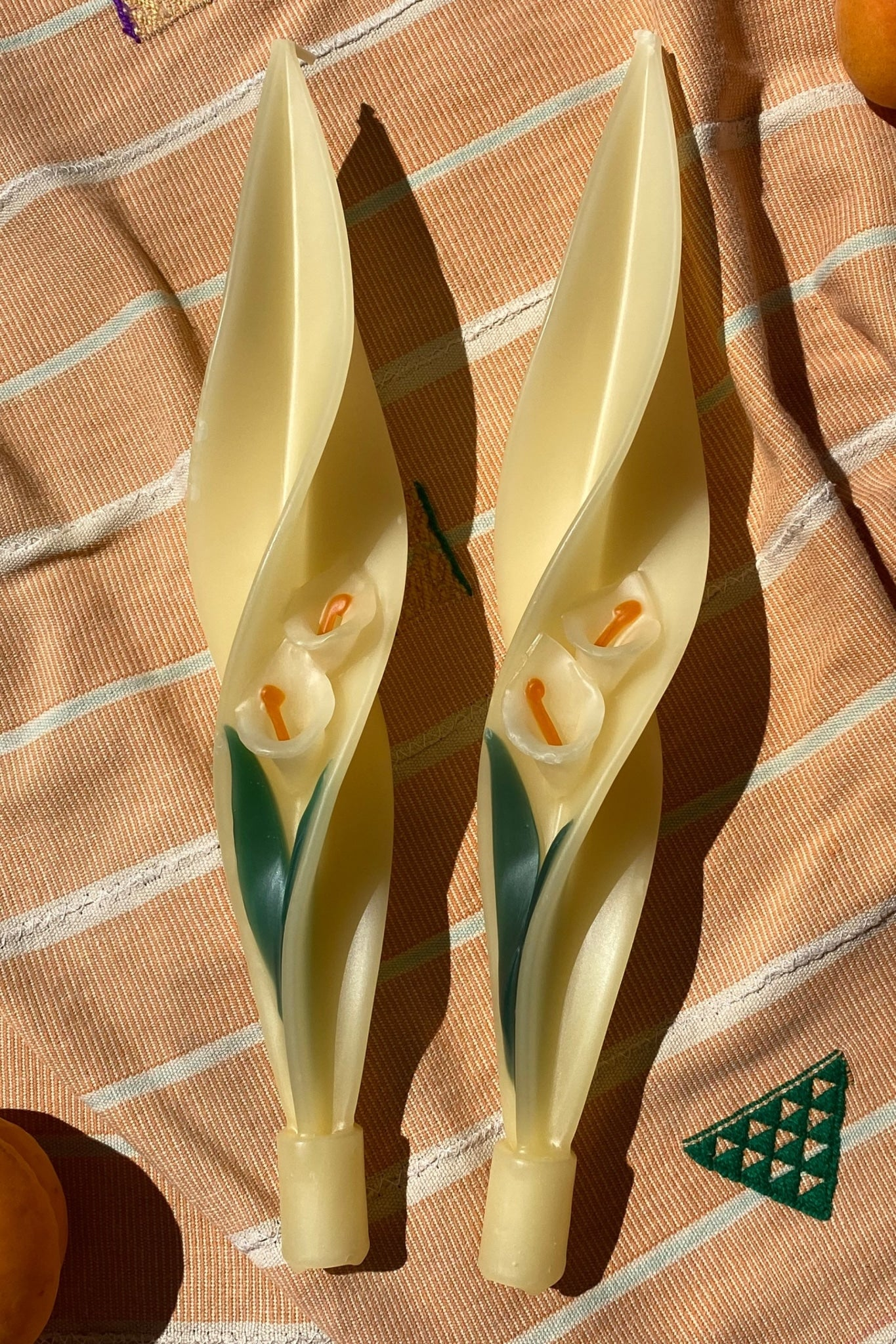 TWISTED BEESWAX CANDLES - CALLA LILY - 100% SILK SHOP