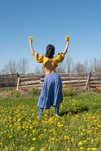 Load image into Gallery viewer, QUINCE BLOUSE IN SUNFLOWER