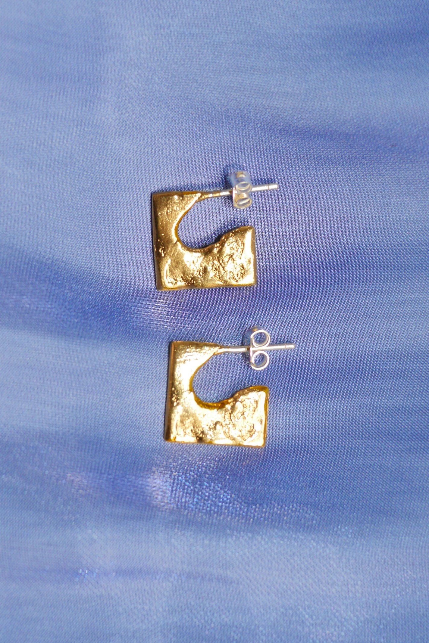 MINI SQUARE STUDS IN GOLD/SILVER - Par Ici