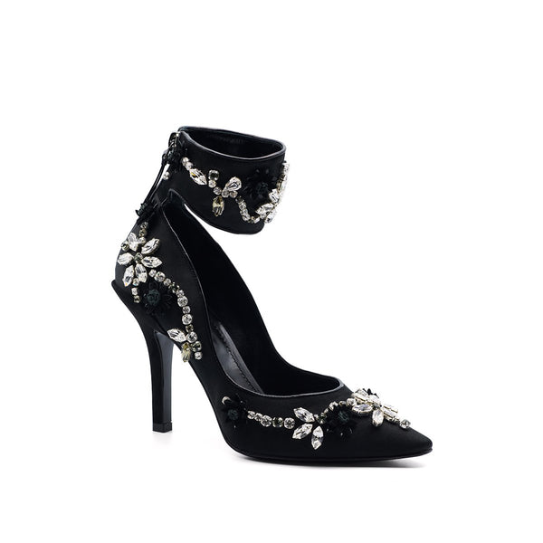 Ava Embroidered Pump - Black