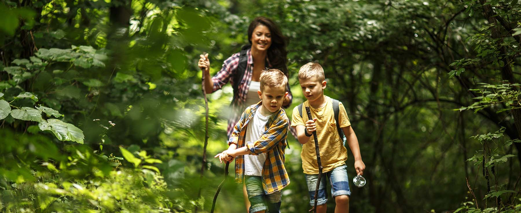 Mum going on a trek with her two kids | The Companionist