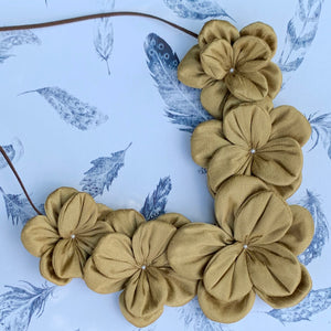 Cloth Flowers Necklace Gold