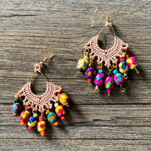 Load image into Gallery viewer, Macrame Earrings with Palm Spheres