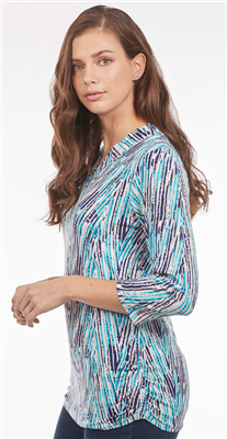 GEO CHEVRON PRINT V NECK TOP