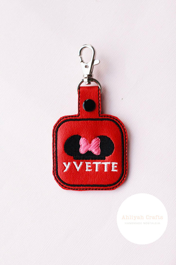 Customizable Name Minnie Keychain