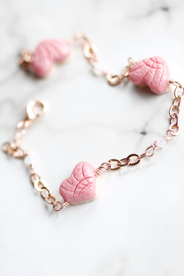Rose Gold Heart Shaped Concha Bracelet with Swarovski Beads