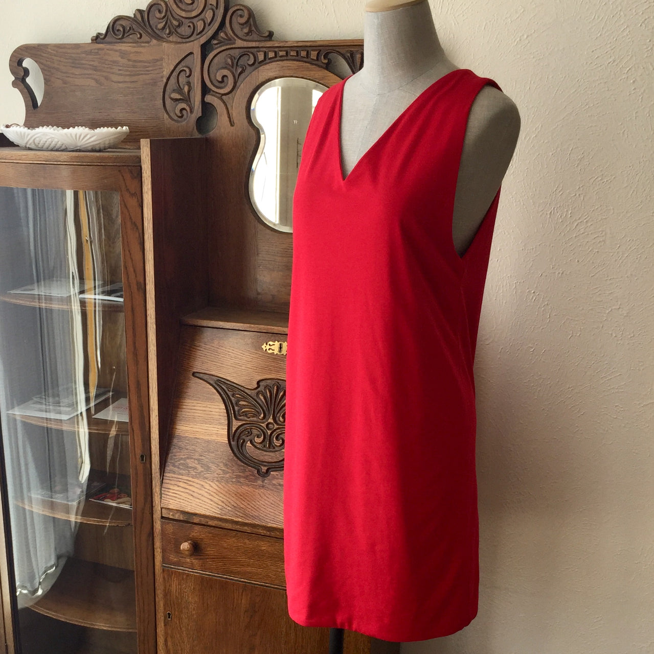 The V Dress, Red