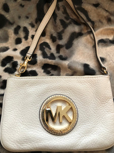 consignment bag - Michael Kors ivory wristlet