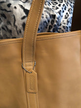 Load image into Gallery viewer, consignment bag - Coach tote