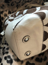 Load image into Gallery viewer, consignment bag - Coach, white and brown