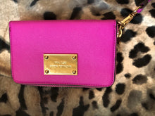 Load image into Gallery viewer, consignment bag - Michael Kors wristlet wallet, pink
