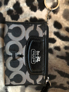 consignment bag  - Coach key chain holder