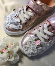Load image into Gallery viewer, party perfect - children's shoes and accessories