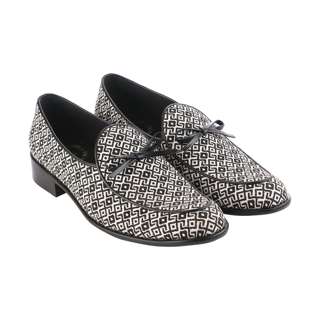 STILLI LIMITED EDITION BLACK AND WHITE PATTERN LOAFERS