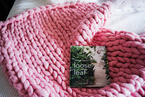 PINK CHUNKY KNIT THROW