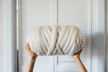 Load image into Gallery viewer, SUPER CHUNKY AUSTRALIAN MERINO WOOL