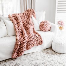 Load image into Gallery viewer, DUSKY PINK CHUNKY KNIT THROW