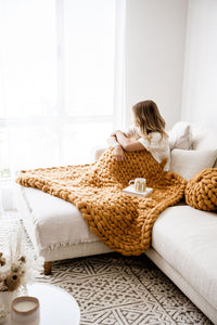 MUSTARD CHUNKY KNIT THROW