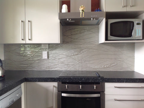 Swirls glass splashback