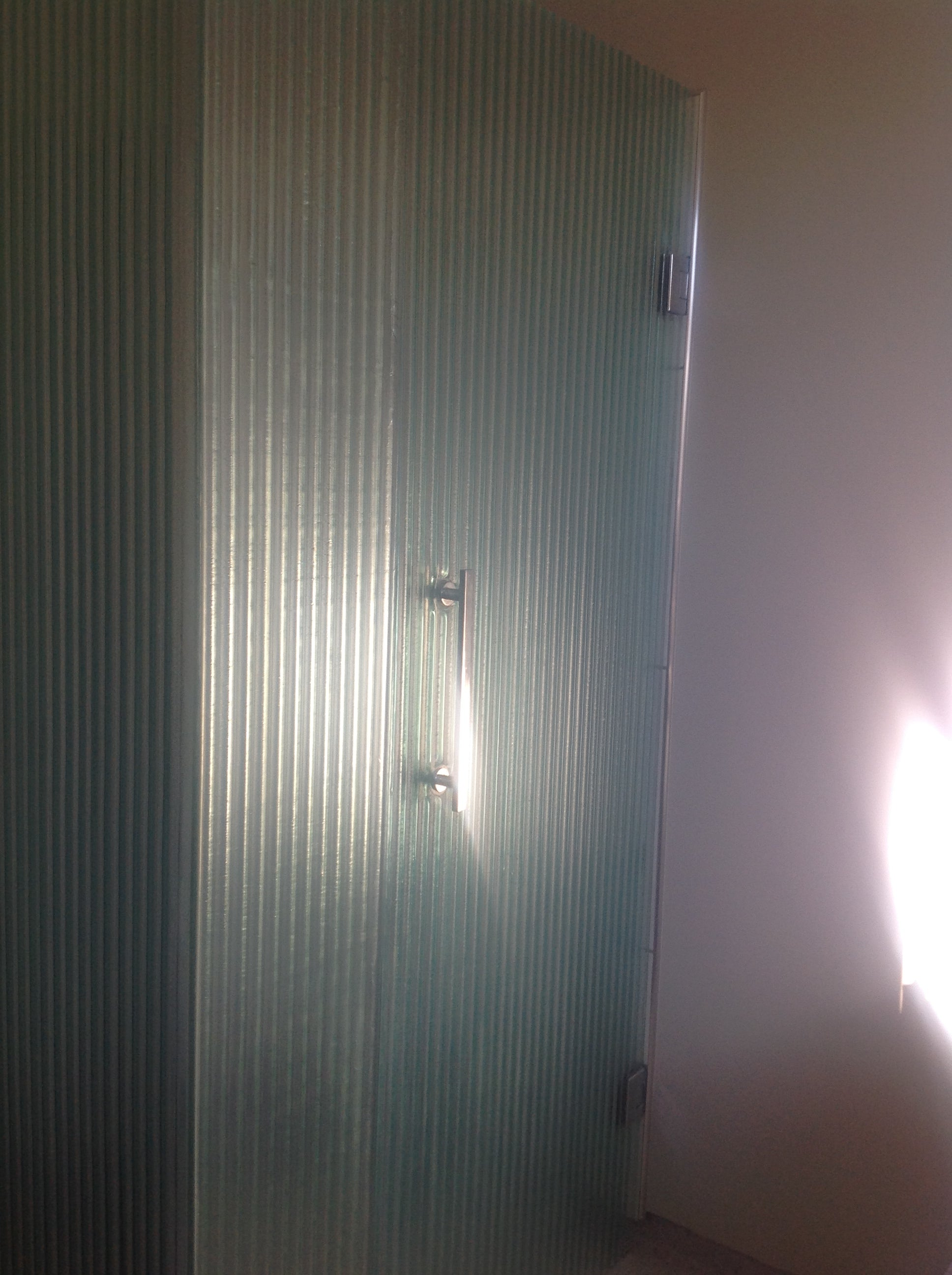 Slumped Glass broad reeded narrow 10mm toughened