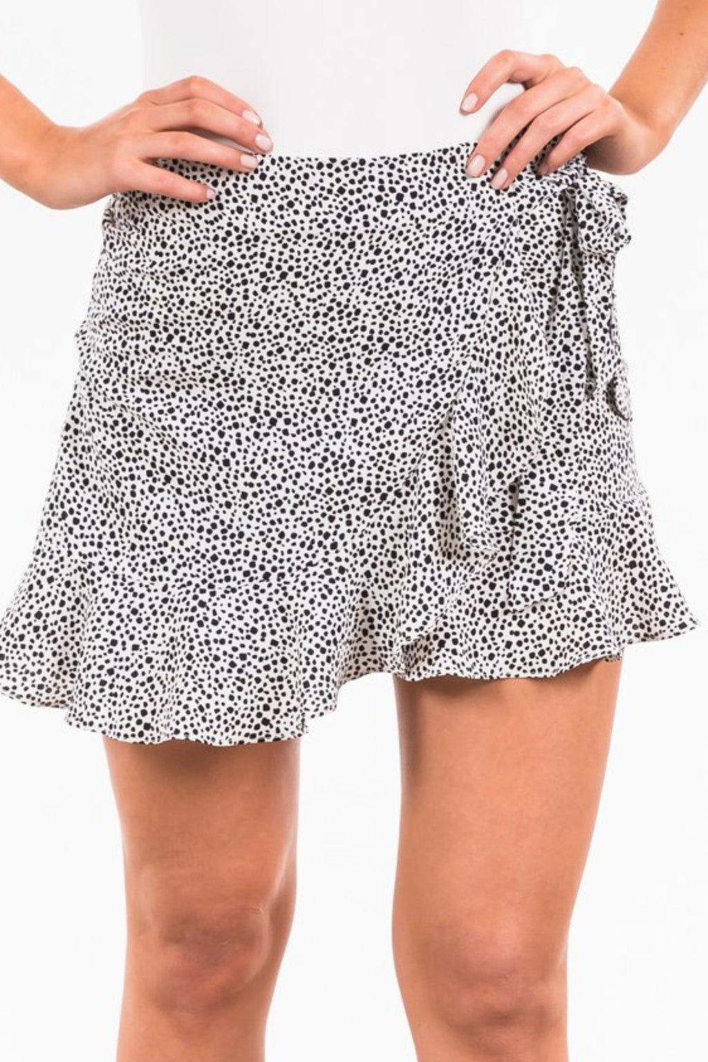 Elise Skirt - White / Black