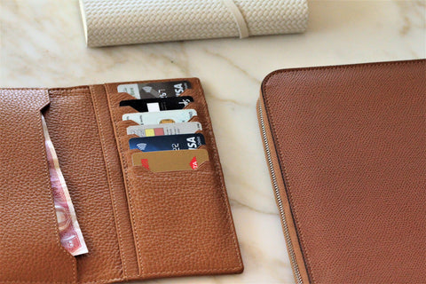 Dappertastic Dubai Tharb leather wallet