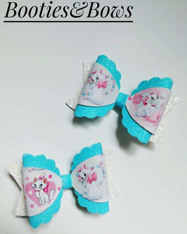 """Kitty"" faux leather bows, set of 2"