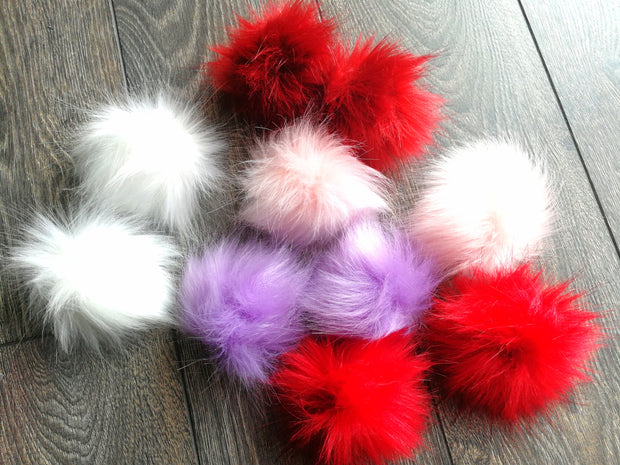Fluffy hair clips, set of 2. White